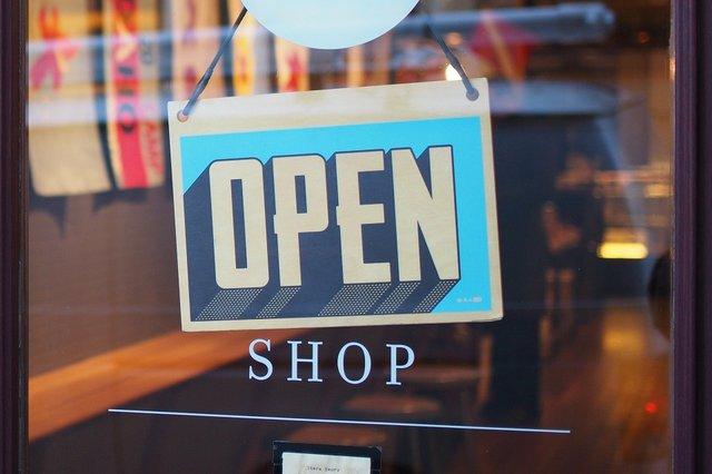 shop-2607121_1920.jpg