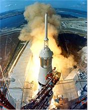Saturn 5 Apollo.png