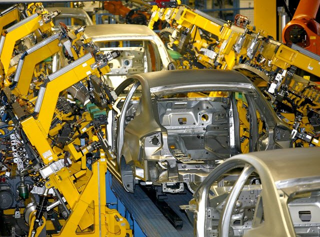 Modern Ford Plant Assembly Robots