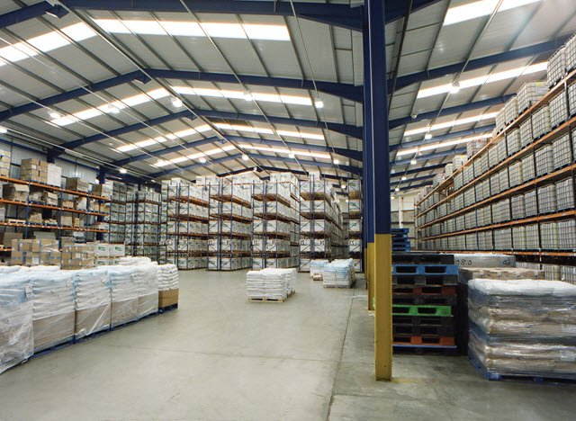 Warehouse materials storage