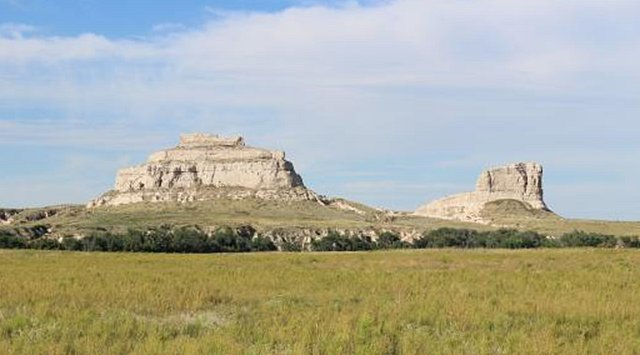 Courthouse and Jail Rocks_Nebraska